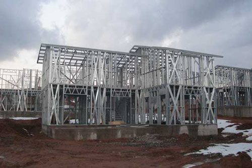 Здания на основе облегчённого металлического каркаса в Сургуте
